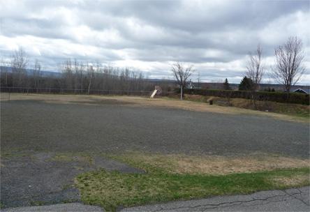 Parc construction, aménagement parc, aire de jeux, pelouse